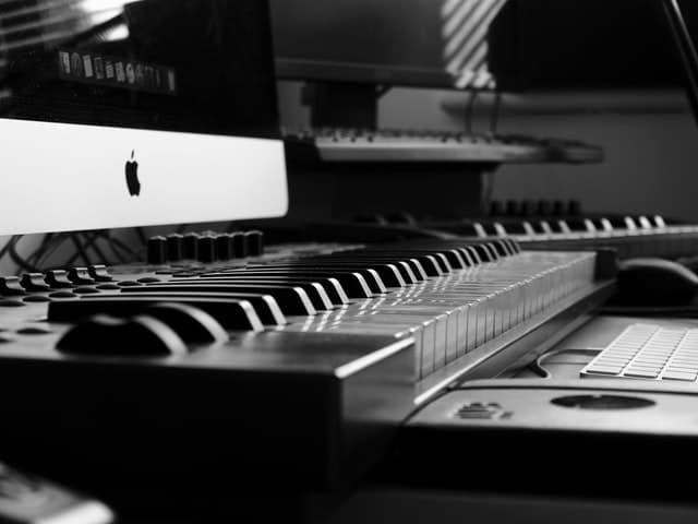 Alat Musik Modern Paling Populer Tahun 2020